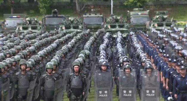 视频:深圳再亮剑!公安武警联合大练兵!粤语喊话震慑暴徒!