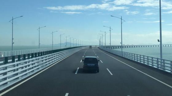 IN视频|壮观 宏伟 先进······外媒眼中的港珠澳大桥什么样?