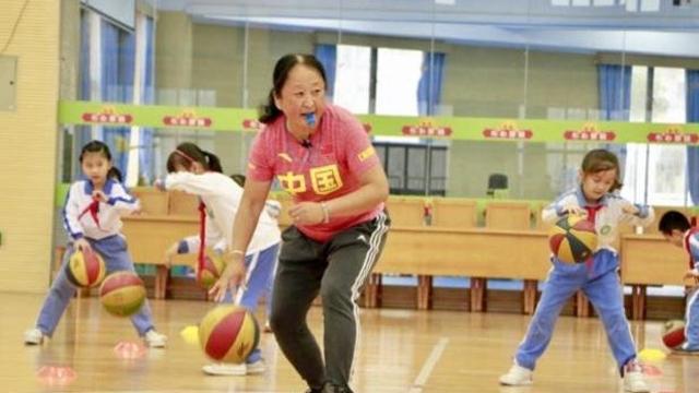 IN视频|新出炉的全国优秀教师里 有一名深圳体育老师