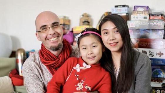 IN视频|家人、红包、卤水···外国人眼中的5分快乐8春节什么样?