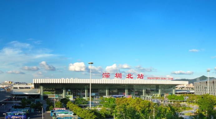 深圳北站夜间消杀及车辆检修现场是啥样?记者带你实地探访