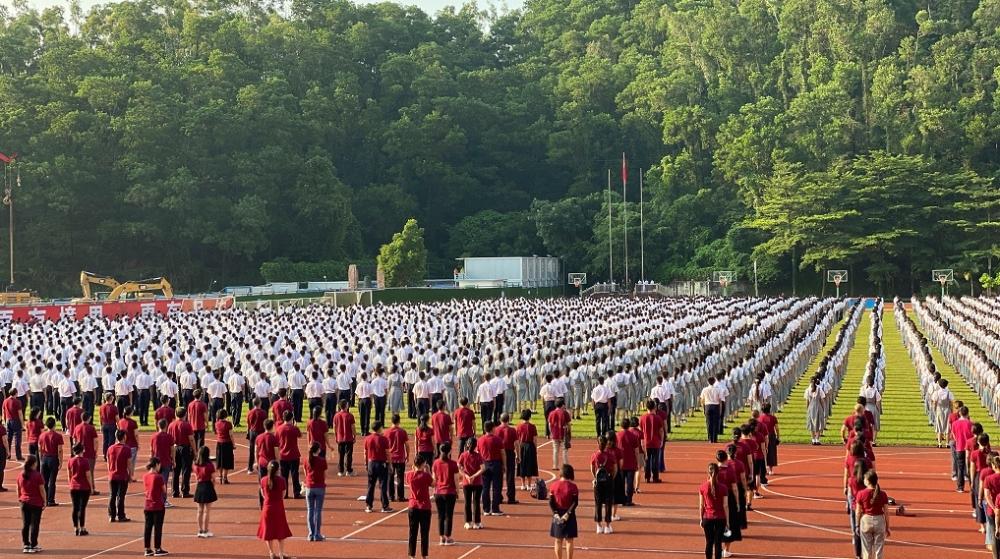红岭中学校长张健:希望红岭学子保持奋斗者的姿态 团结前进